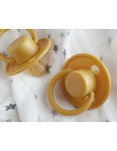 Chupete Retro tetina de Latex en mostaza de Kiokids